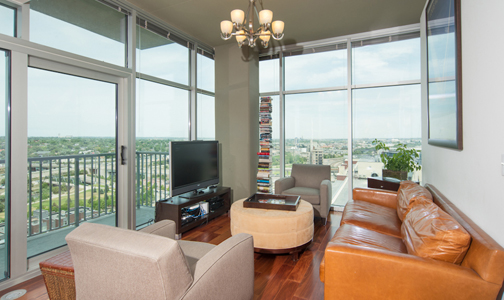 GH 1613 New Listing:  Glass House #1613
