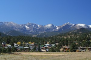 luxury living in the Denver area 300x199 Stunning View of the Rockies from Cherry Hills Village