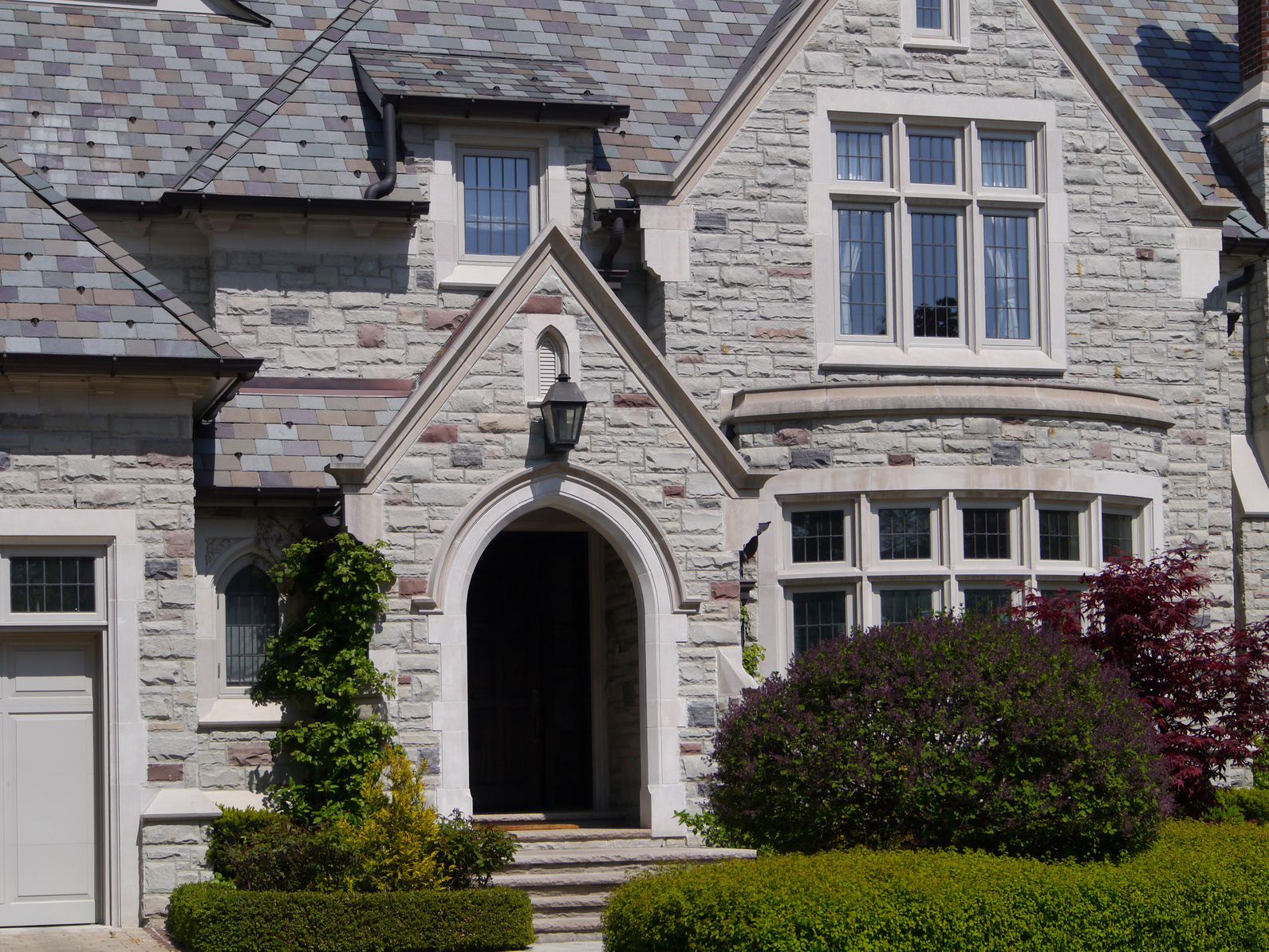 Common roofing styles in luxury homes mark hunke for Roof styles for homes