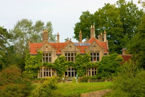 Mansion 300x200 More Foreigners are Buying Luxury Homes – But Why?
