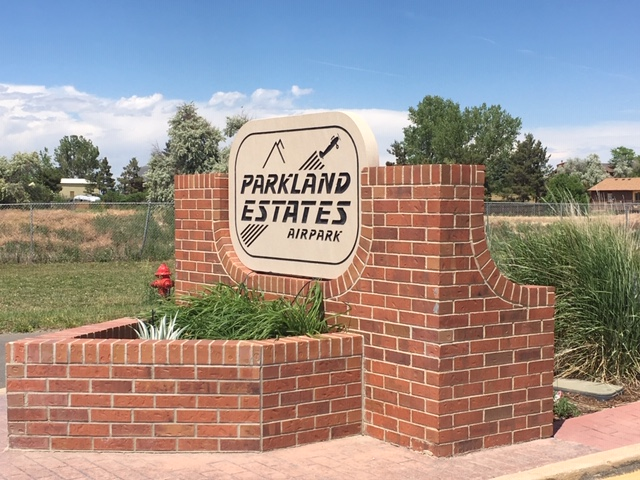 Neighborhood sign for Parkland Estates - Erie Neighborhood Information