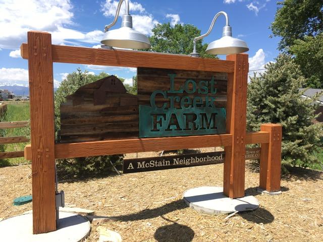 Neighborhood sign for Lost Creek Farm - Erie Neighborhood Information