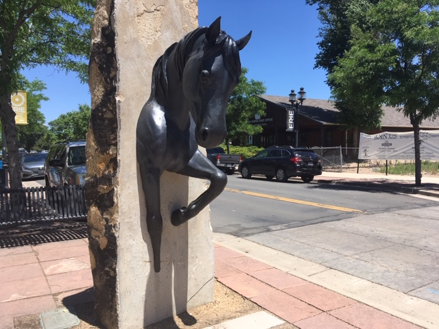 Horse statue on Briggs St. in Historic Old Town Erie - Erie Safari