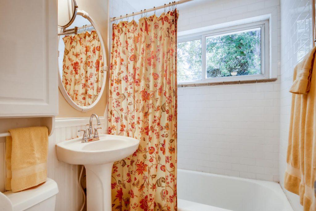 Bathroom of the Mayfair house