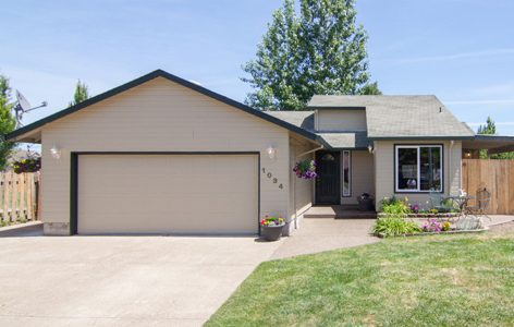 McMinnville home sold by Realtor Catherine Summers