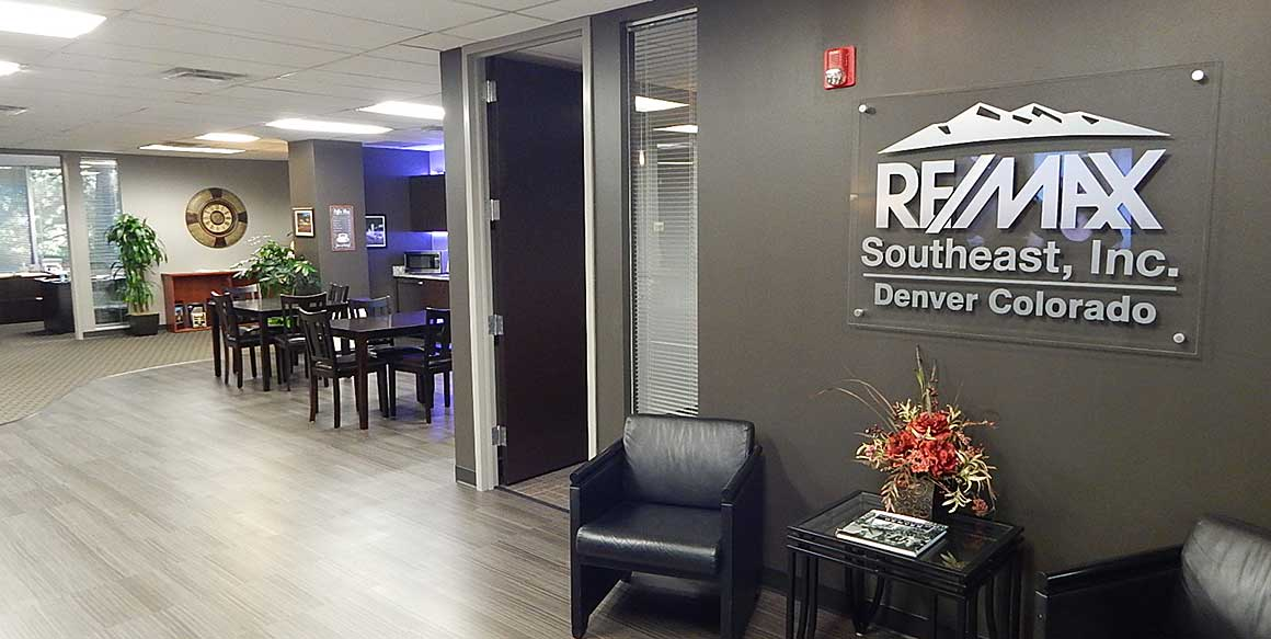 the office About RE/MAX SE