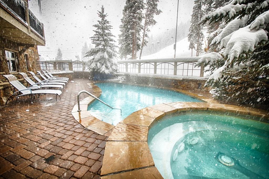 pool 2 2463183532 O River Run Village Condos
