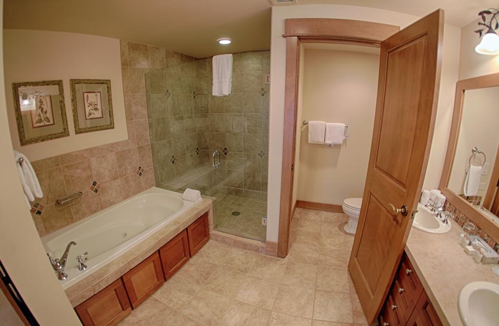 2nd bath 2463181126 O Lone Eagle Condos