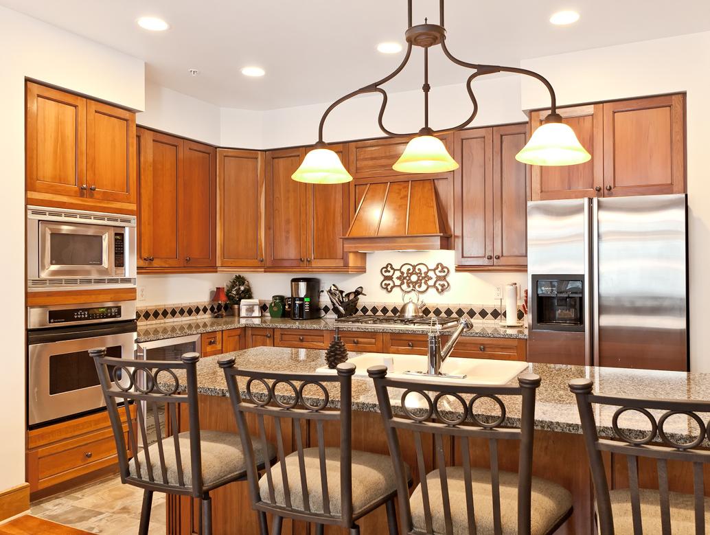 KitchenWeb Lone Eagle Condos