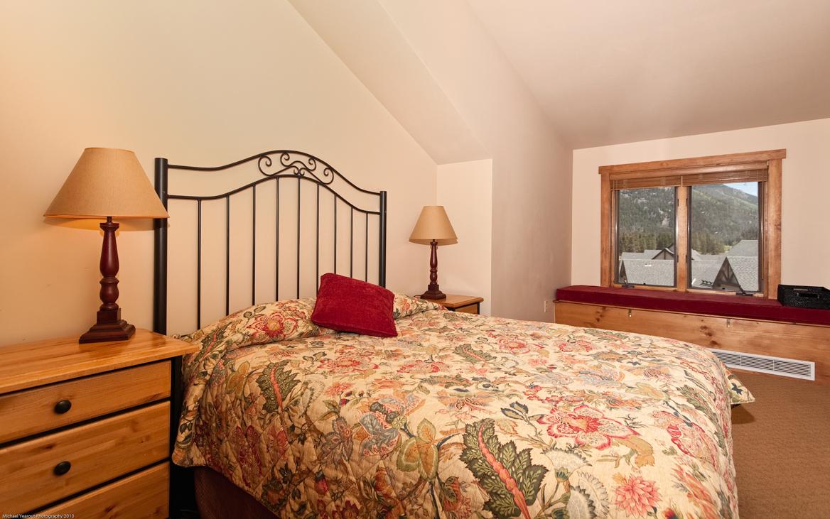 MasterBedroomLowRes Red Hawk Lodge condos for sale