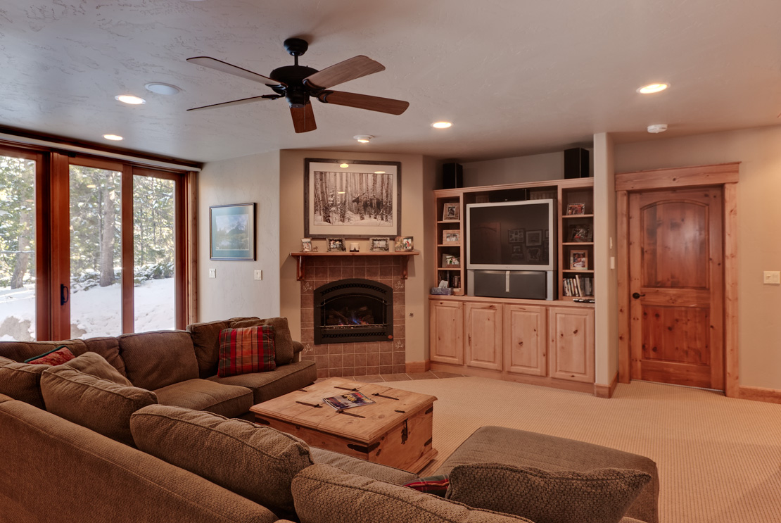 EntertainmentRoomWeb Elk Run Homes for sale (The River Course)