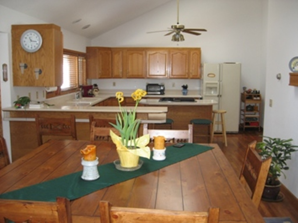 dining room slifer size Soda Ridge area homes for sale