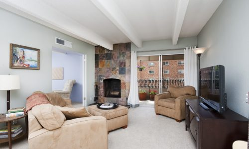 Beautiful & Well Maintained Congress Park Condo