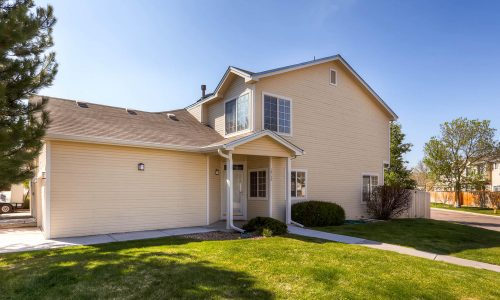 Updated townhome near Del Mar park