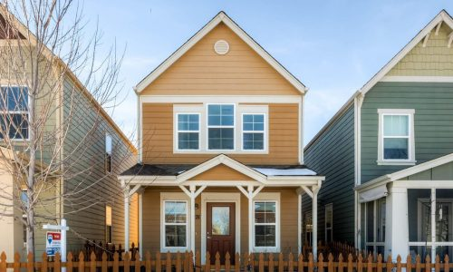 Charming cottages in Longmont's Blue Vista