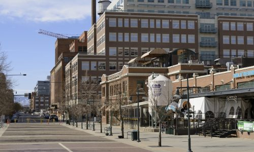 denver-lodo-neighborhood-street-with-restaurants-and-buildings