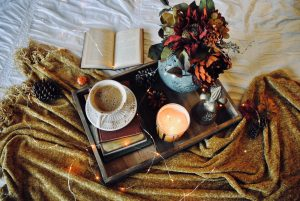 Cozy Ways to Decorate Your Home This Fall