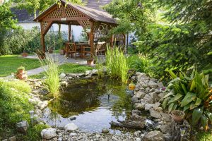 landscaping your home to sell