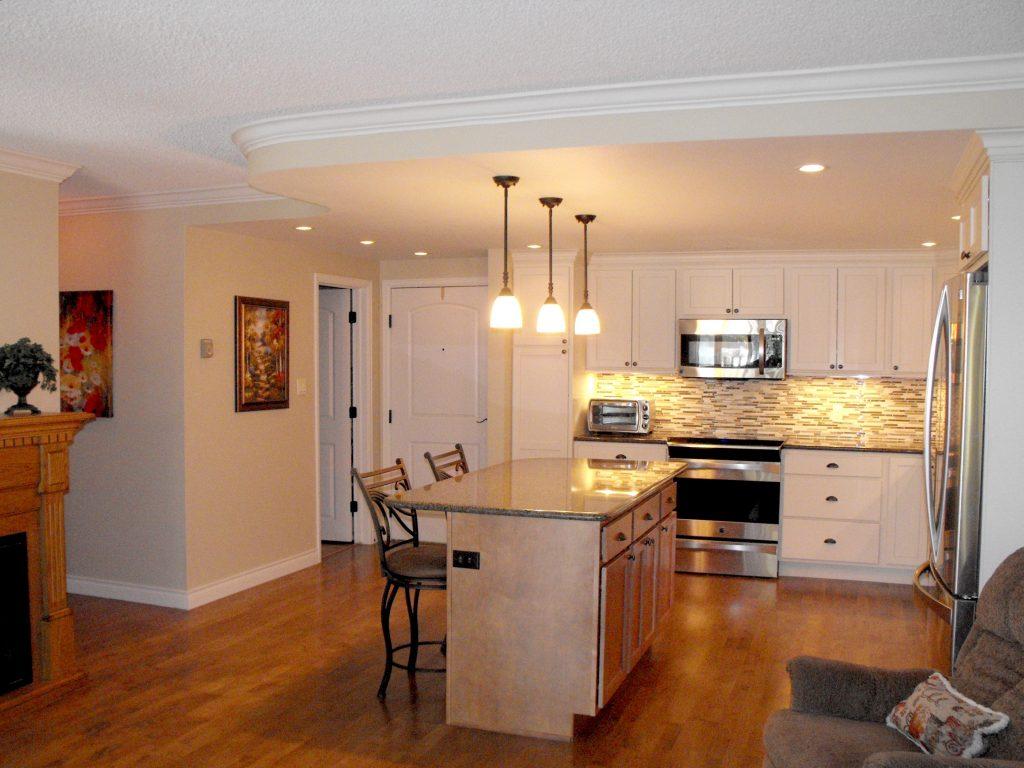Furnished kitchen Heather Gardens